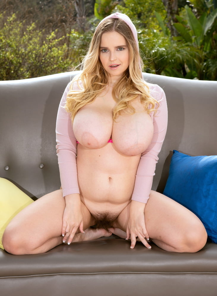 Chubby Creampie for a Hairy Mom 1